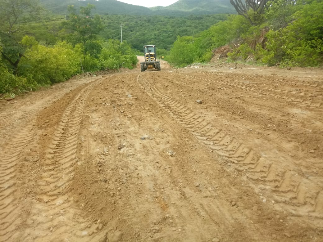 Prefeitura de Cerro Cora realiza serviços paleativo no trecho da RN 203