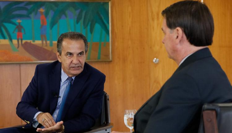 No pico da pandemia, Bolsonaro recebe Malafaia para discutir abertura de templos