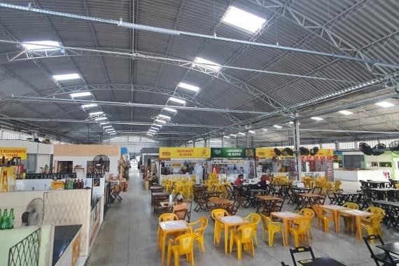Após reforma, Mercado da Seis vira atrativo para compras de artesanato e culinária regional