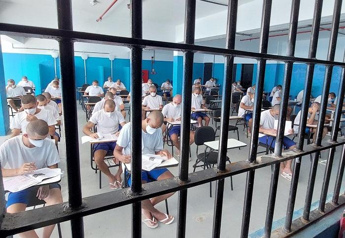 1,5 mil internos do Sistema Penitenciário do RN fazem provas do Encceja